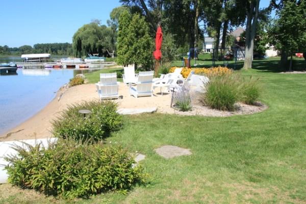 inland lake house - beach style