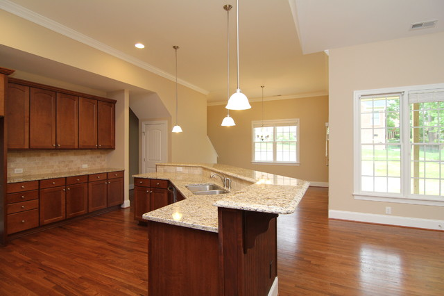 Angled island layout  Traditional  Kitchen  Raleigh