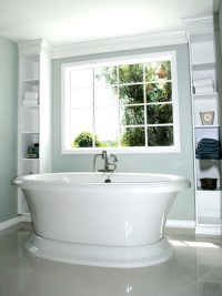 Free standing tub framed by built-in shelves - Traditional ...