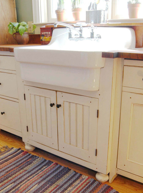 1890 Cottage Style Kitchen  Traditional  Cincinnati  by The Workshops of David T Smith