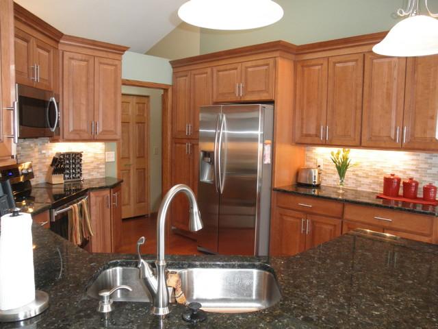 Maple Kitchen Cabinets Carlton Door Style Cliqstudios