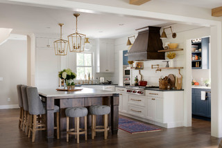 Top Kitchen Styles And Cabinet Features In Kitchen Remodels ( Photos)