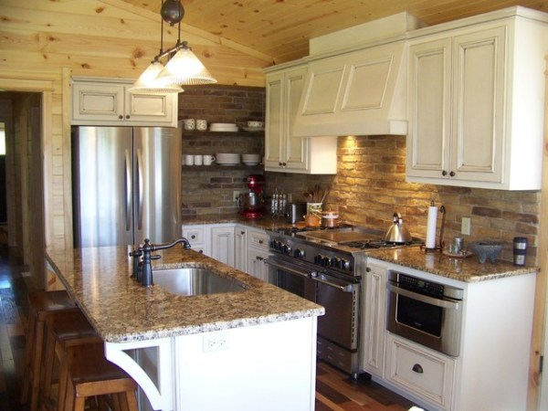 traditional country kitchen design Small Country Kitchen - Traditional - Kitchen - other metro