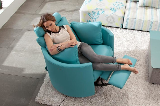 Moon Chair Power Recliner by Famaliving California