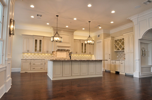 Clayton Homes Lakeview Project 2 Traditional Kitchen New Orleans By Jefferson Door Company