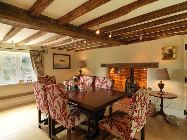 17th Century Thatched Cottage  Farmhouse  Dining Room