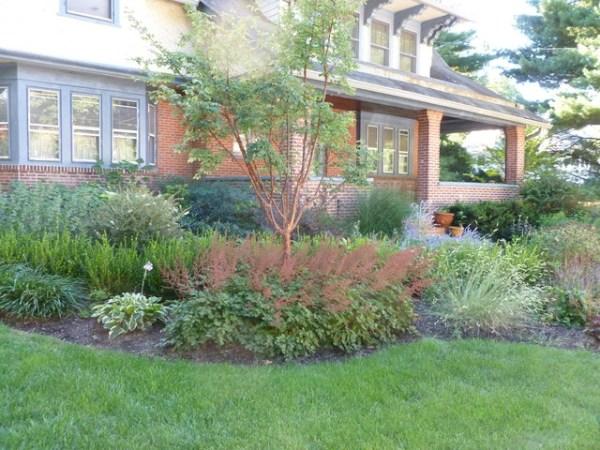 craftsman style home landscape
