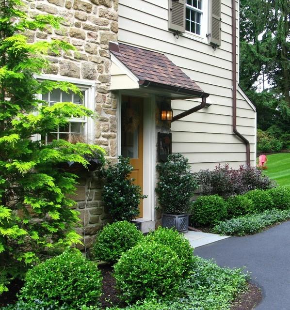 eye catching garden entryways