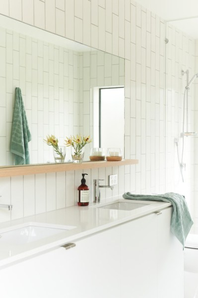 contemporary beach house bathroom Bellarine Beach House - Contemporary - Bathroom - Geelong - by Bower Architecture