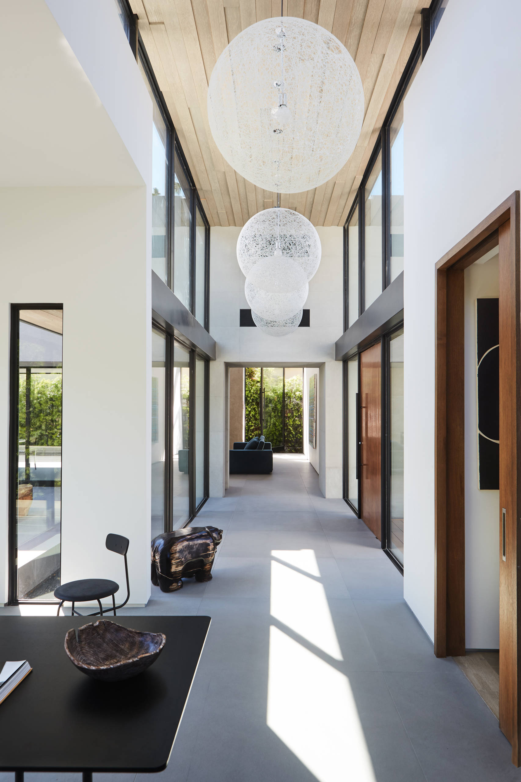 75 Beautiful Modern Hallway Pictures Ideas October 2020 Houzz