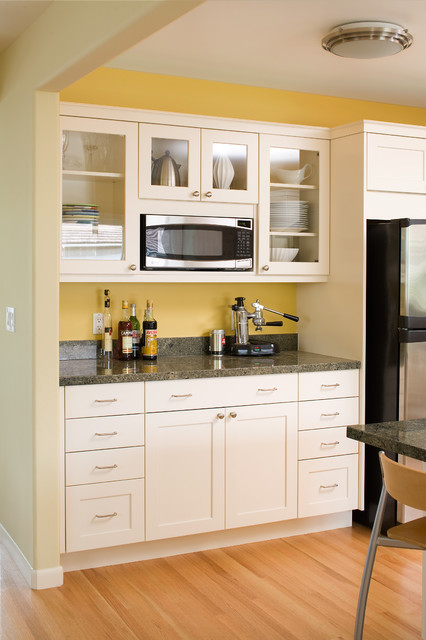 kitchen pantrys base cabinets 無飯煮婦 我不需要廚房我有茶水間就好了 all the glory details for modern arts crafts with painted shaker style contemporary