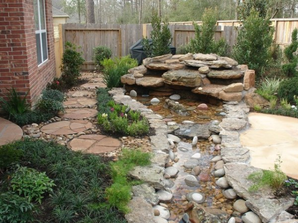 landscaping with oversize pavers