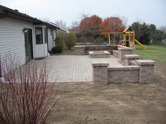 Bobs Grading Paver Patio And Fire Pit