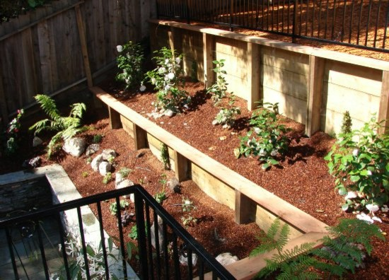 wood retaining walls with plantings