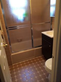 Remodel a small 5x6 bathroom w tub