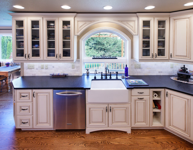 farmhouse kitchen cabinets for sale hardware farm style & family room - traditional ...