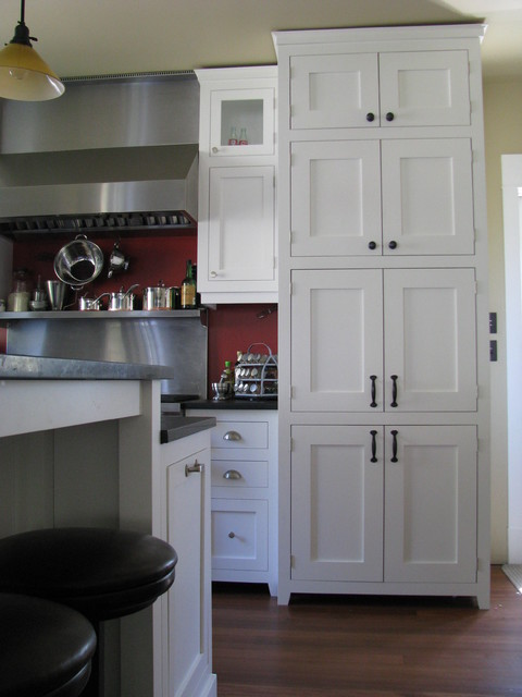 White Craftsman Style Traditional Kitchen