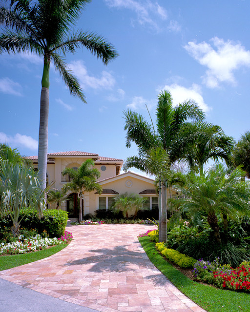 intercoastal luxury home landscape