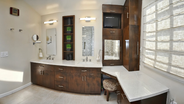 Master Bathroom Double Sinks And Make Up Vanity Contemporary Bathroom Los Angeles By L2 Interiors Houzz Uk