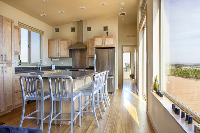Modern House In A Vineyard Contemporary Kitchen Portland