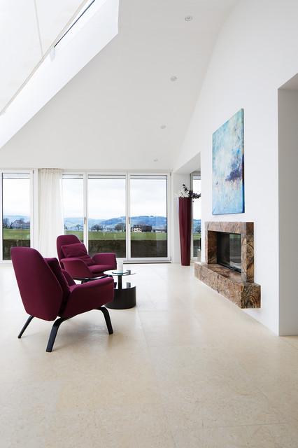 Villa nahe Zrich  Modern  Wohnzimmer  Mnchen  von FRSTL NATURSTEIN