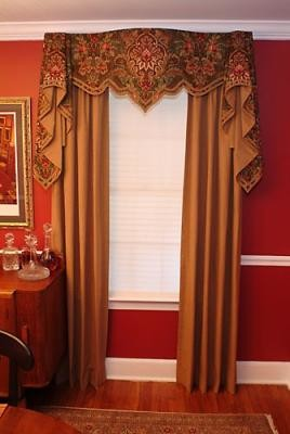 Louis XV Valance traditional