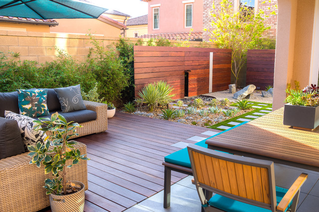 Beautiful Small Space Backyard Design