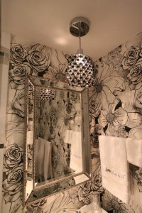 FUN POWDER ROOM / CRAZY WALLPAPER