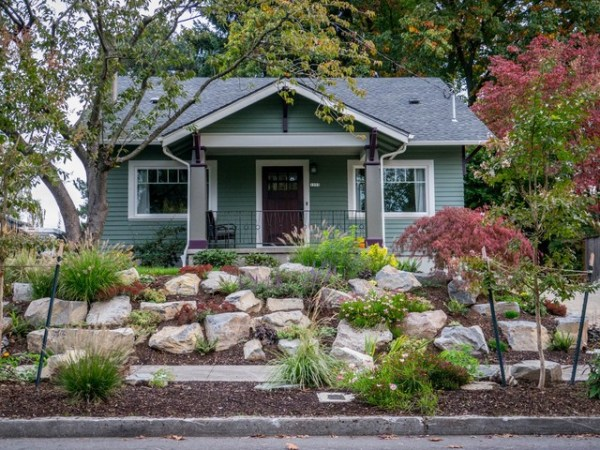 boulder retaining wall - sellwood