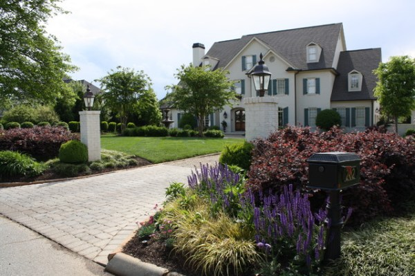 driveway entry - traditional