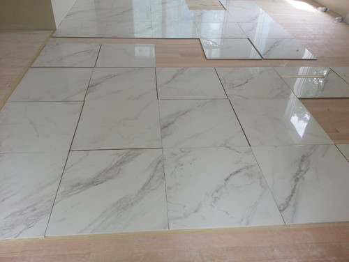 should marble looking tile veins lean in the same direction