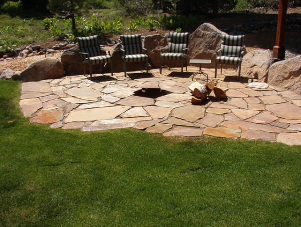 flagstone patio - firepit