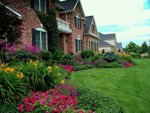 front yard planting ideas - traditional