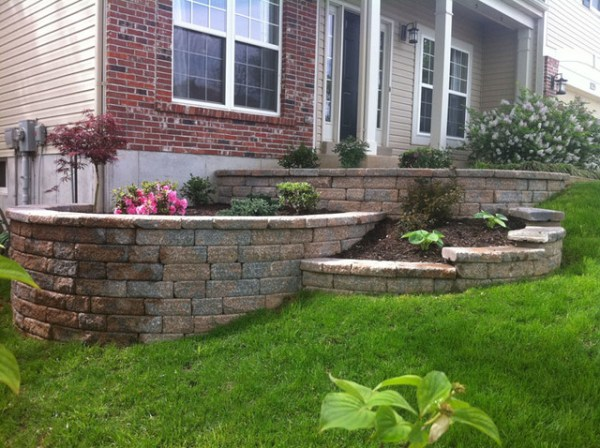 multi-tiered retaining wall - traditional