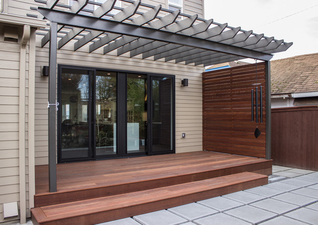 Meranti Decking And Privacy Screen