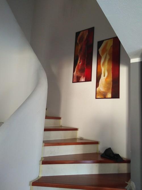 Treppenhaus grau streichen Ideen