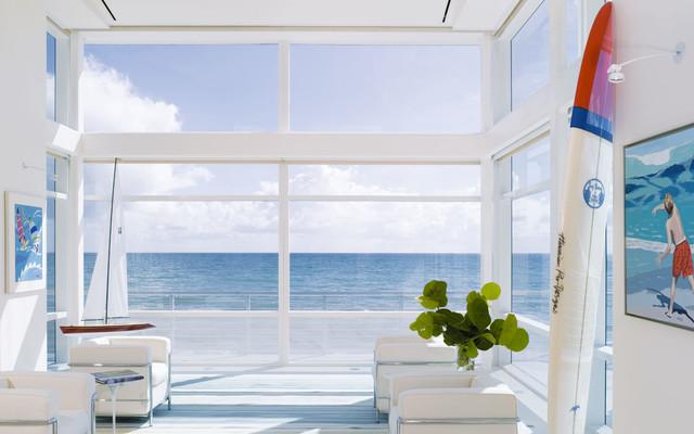 Living Room and Ocean コンテンポラリー-リビング