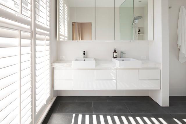 East Melbourne House moderne-salle-de-bain