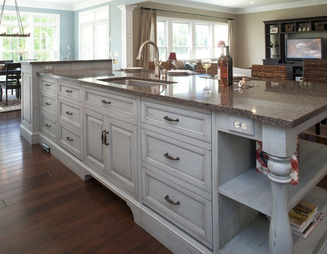 Superieur Formal White Kitchen With Blue Island Mullet Cabinet Traditional