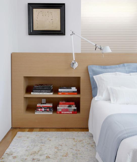 West Side Duplex modern-schlafzimmer