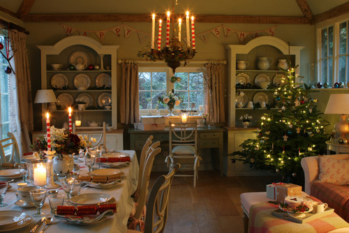 A cosy Christmas Table and Christmas Tree