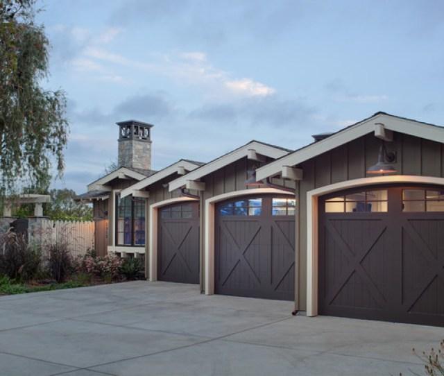 Coastal Ranch Farmhouse Garage