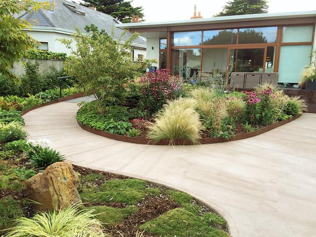 Best Medium Sized Garden Design Ideas & Remodel Pictures Houzz