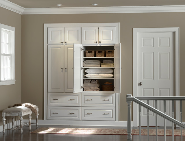 Hallway Storage  Closet  Minneapolis  by Mid Continent