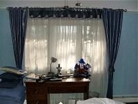 Boys Bedroom window design - Moderno - new york - di ...