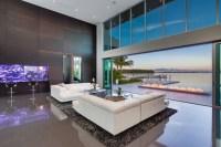 Modern Living Room w/ Living Color Aquarium Wall ...