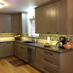Euro Style Kitchen Cabinets Amish Chicago Mt. Washington, Luwista - Traditional ...