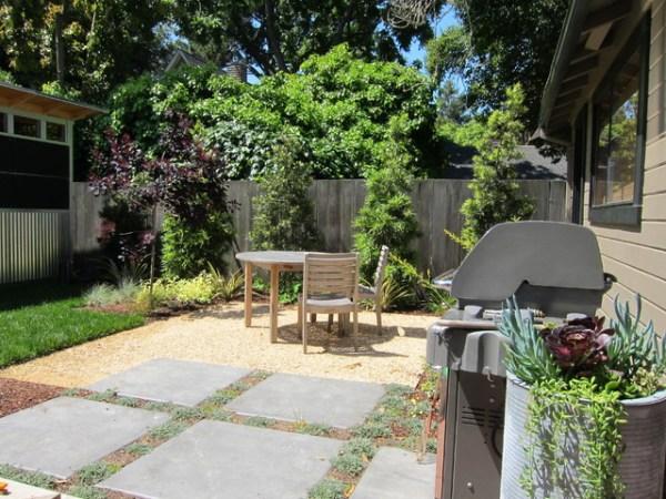 small garden seating area - contemporary