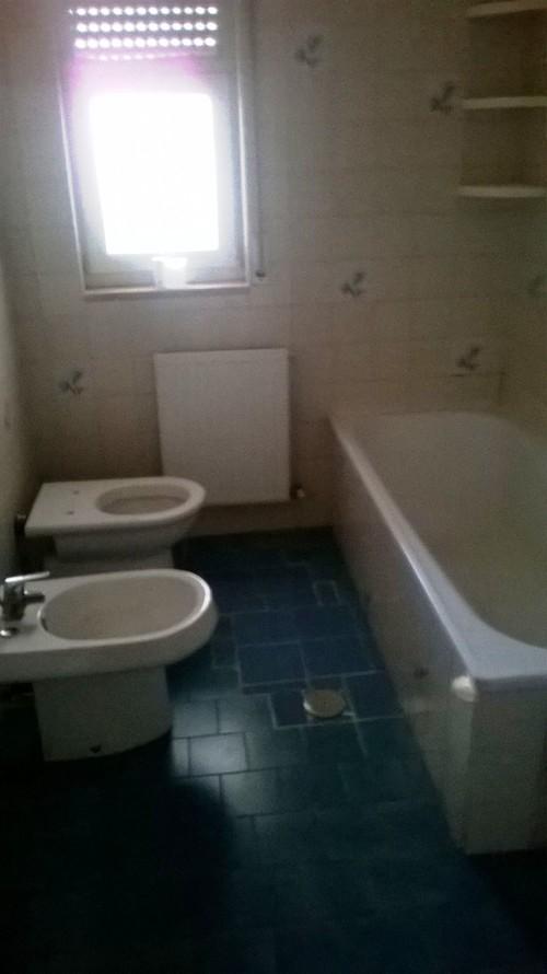 Ho bisogno di un consiglio sul rivestimento del bagno