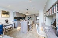Contemporary London Studio Apartment - Contemporary ...